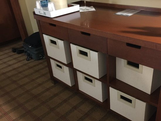 Four Points By Sheraton Oklahoma City Quail Springs : Boxes on shelves instead of a dresser