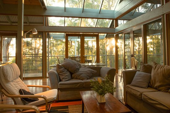 Myall Lakes National Park, ออสเตรเลีย: Cottage Living room