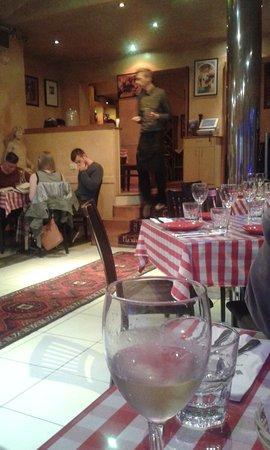 Da Vinci's: classic Italian checked tablecloths