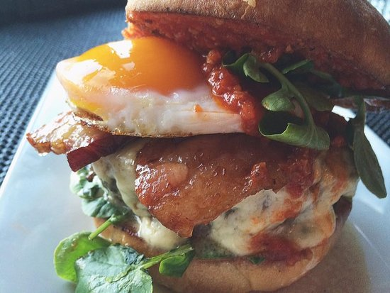 Slingerlands, NY: The Burger