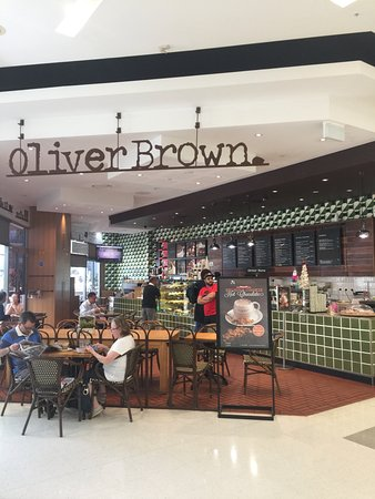 Oliver Brown: EASY TO FIND IN THE CENTRE
