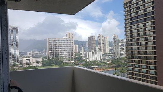 Ambassador Hotel Waikiki: 20160926_132113_large.jpg