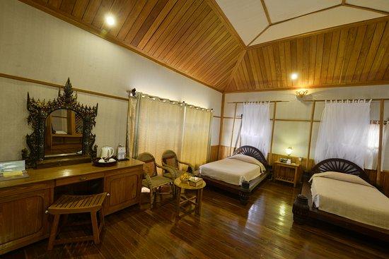 Shwe Inn Tha Floating Resort : Family Deluxe