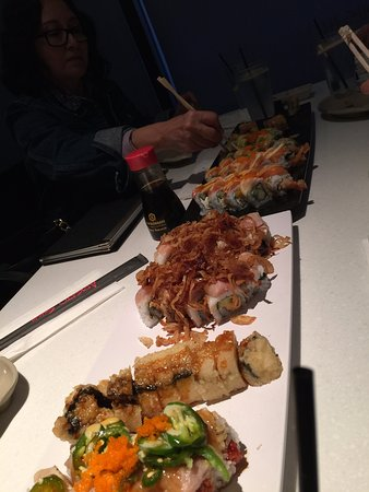 Arigato Sushi: A lot of Rolls and very cheap