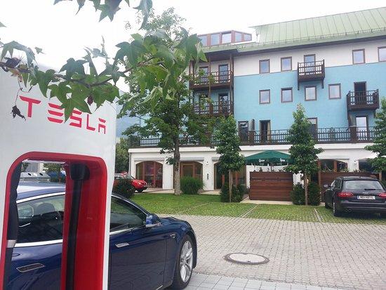 Alphotel Innsbruck : Tesla Supercharger