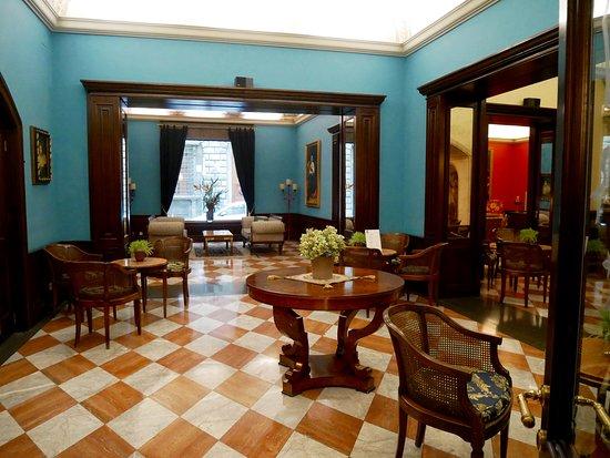 B4 Astoria Firenze: Lobby bar