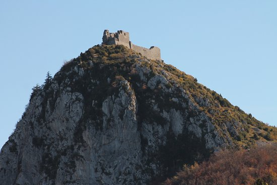 """Montsegur, Francia: Le chateau au sommet de son """"pog"""""""