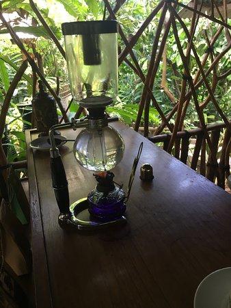 Lodtunduh, Endonezya: 過濾咖啡的機器