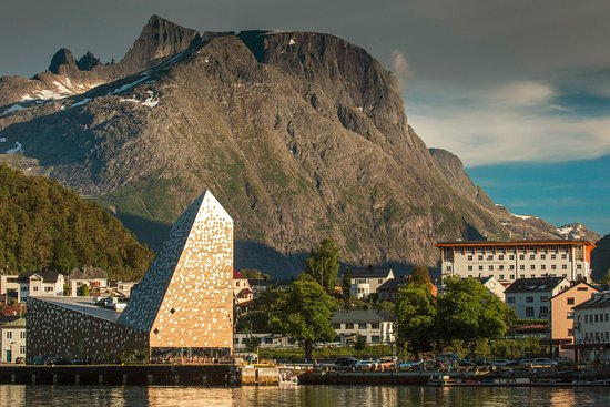 Andalsnes, Norwegia: Norwegian mountaineering centre