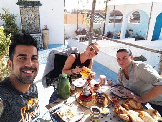 Riad Amazigh Meknes: Desayuno en la terraza