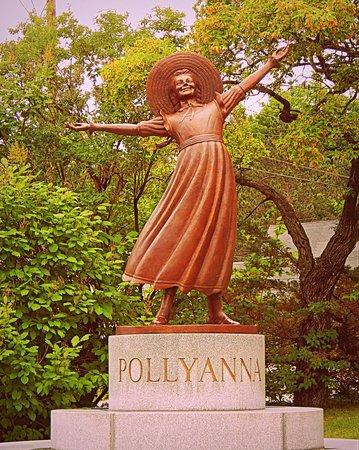 Statue of Pollyanna in Littleton NH