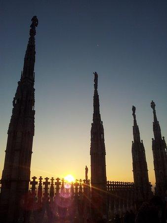 tramonto sulle guglie - Foto di Terrazze del Duomo, Milano - TripAdvisor