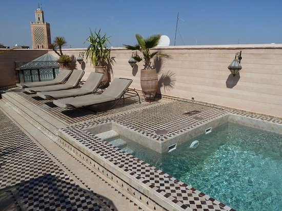 Riad et Dar Maison Do : piscine sur toit terrasse
