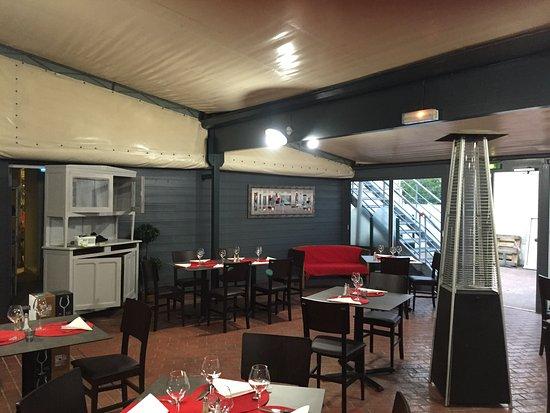 Restaurant auberge de la montagne dans arpajon avec for Auberge des 7 plats