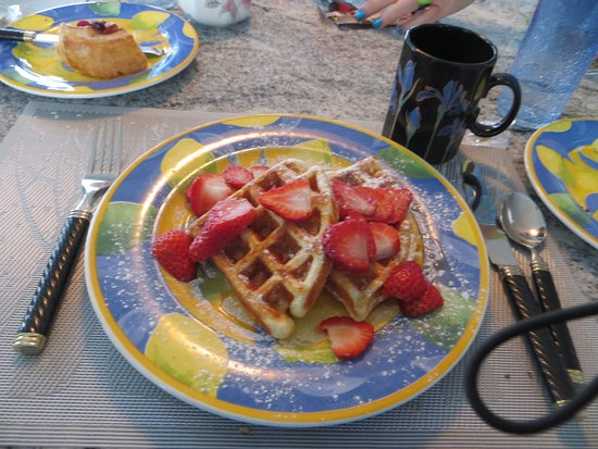 MGM Seashore Bed & Breakfast: Lactose-Free Waffles