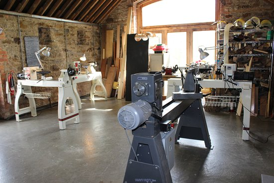 Navan, Irland: Interior image of workshop where products are produced and woodturning classes and courses held