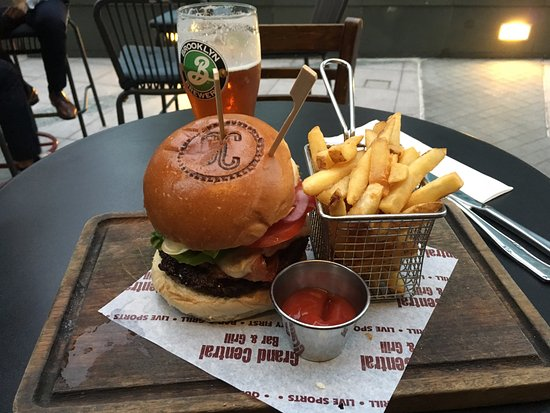 Grand Central Bar Grill Burger W Fries 188 Hk 24usd