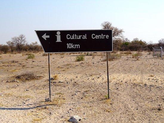 Tsumeb, Namibia: vers les Bushmen