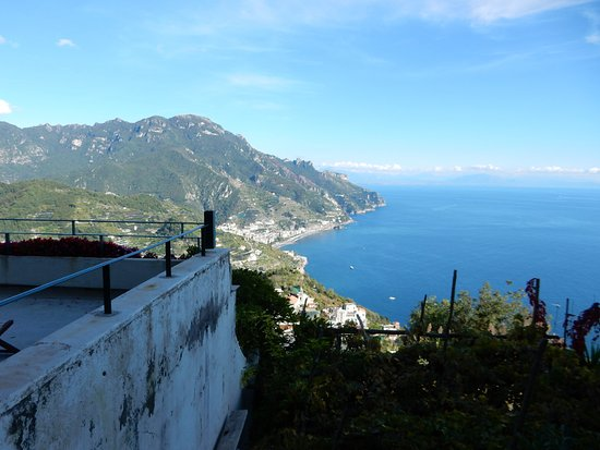 Graal Hotel Ravello: View on a clear morning.