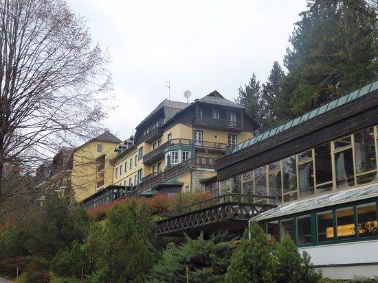 Puchenstuben, Αυστρία: Angeschlossenen Wandelgang.Schwimmbad und Sauna.