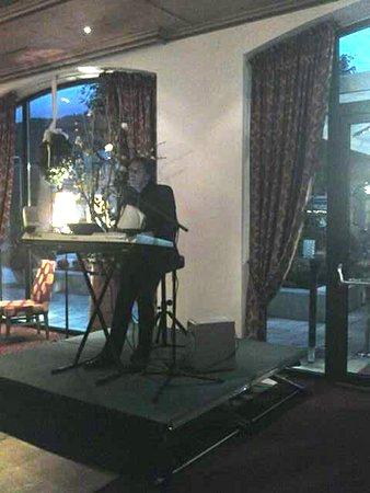 Hotel Edelweiss: Karl Stelzammer Live Musik im Restaurant
