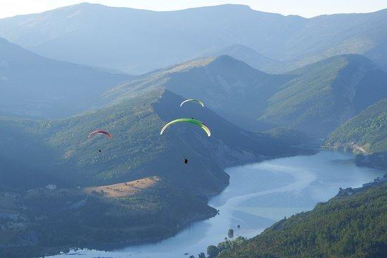 Saint Andre Les Alpes, Francia: Parapente le matin