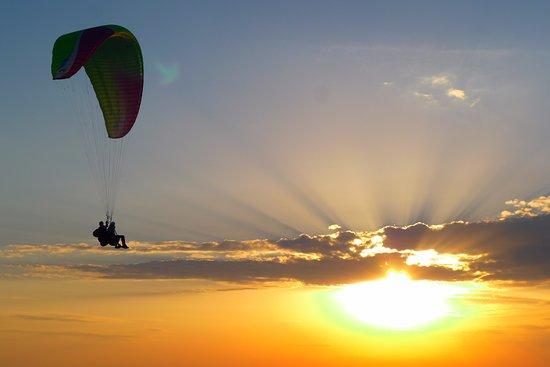 Saint Andre Les Alpes, Francia: Vol en parapente le soir