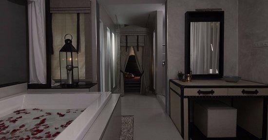 Treasure by Leyana Spa: Steam tent & bath in Treasure Spa Thonglor