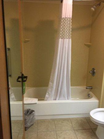 Hampton Inn & Suites Concord Charlotte: photo2.jpg