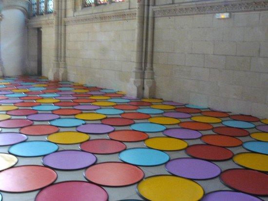 Thouars, فرنسا: Vue de l'exposition de Veit Stratmann, Une Trame/Thouars