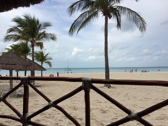 Presidente InterContinental Cancun Resort: View from beachfront restaurant