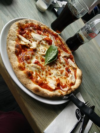Ballincollig, ไอร์แลนด์: Unreal lunch today. Got through Wednesday hump day with a chicken pizza and their amaaaaaazing N