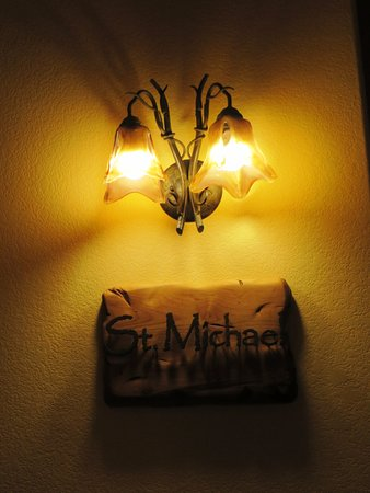 Niwot Inn & Spa : room name and nice lighting fixtures