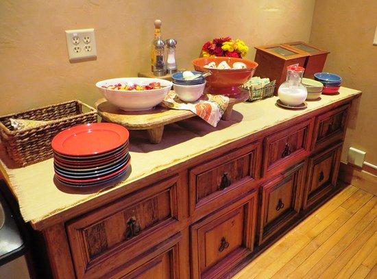 Niwot Inn & Spa: breakfast buffet