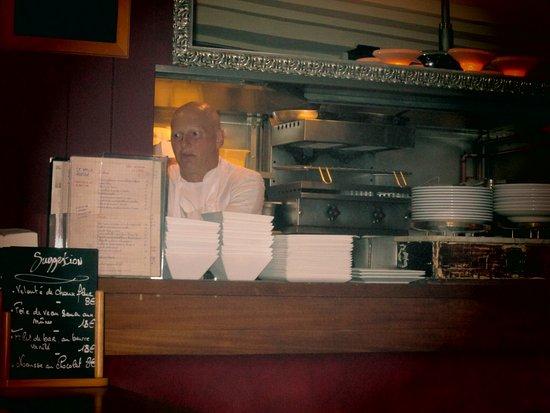 cucina a vista - picture of le petit marche, paris - tripadvisor - Cucina Marche