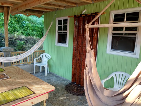 Calibishie, Dominica: dine and relax while watching the birds