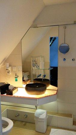 Stolberg, ألمانيا: Met vernieuwde badkamer met regendouche