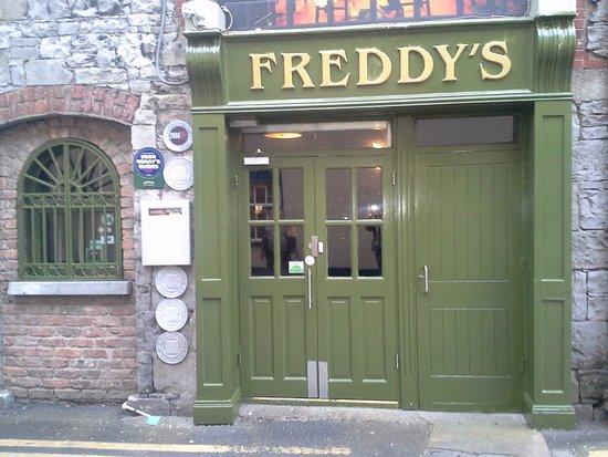 Freddy's Bistro: Freddys set in rustic Coach House