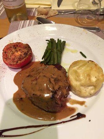 Restaurant du go t la toque dans leguevin avec cuisine - La farandole du gout embrun ...