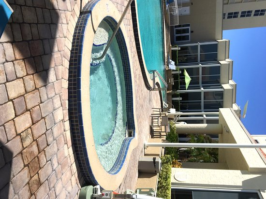 Hilton Melbourne Beach Oceanfront: Hot Tub & Pool
