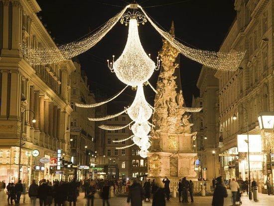 Austria: Addobbi natalizi nel centro di Vienna