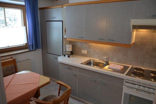 Separate Komplett Eingerichtete Küchen Mit Essplatz In Der Küche