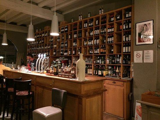 Listrac-Medoc, França: bar