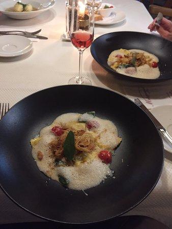Hippach, Austria: Tortellini gefüllt mit Büffel Mozzarella