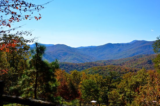 Little Switzerland, NC: View between lodges