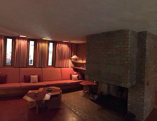 Frank Lloyd Wright's Laurent House: photo3.jpg