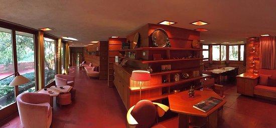 Frank Lloyd Wright's Laurent House: photo4.jpg