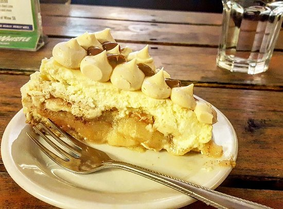 Gore Bay, Kanada: Apple Pie Cheesecake Piecaken! Apple pie baked into a cheesecake!