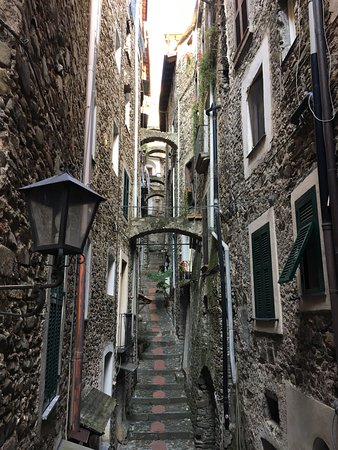 Riviera ligure, Italia: Dolceacqua inspired artists from Monet to today.
