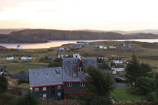 Fishers' Loft Inn by Ship Cove: Overlooking Port Rexton at sunrise.